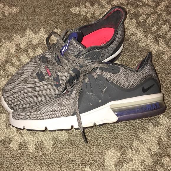 Nike Shoes - Nike air max gray and pink